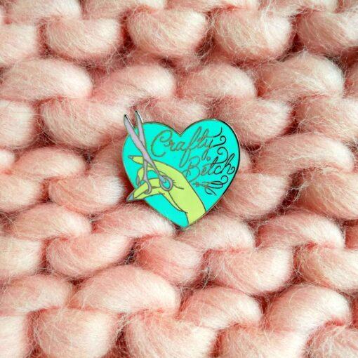 HeArtDeco Pin Crafty bitch