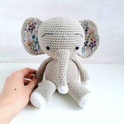 Heartdeco Spieluhr Elefant gehäkelt grau