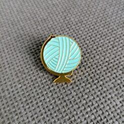 Heartdeco Pin yarn world